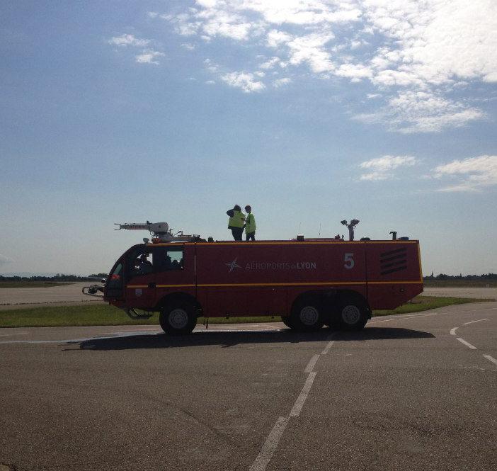 camion pompier lyon aéroports