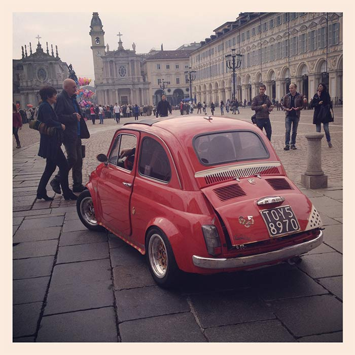Turin fiat 500 rouge