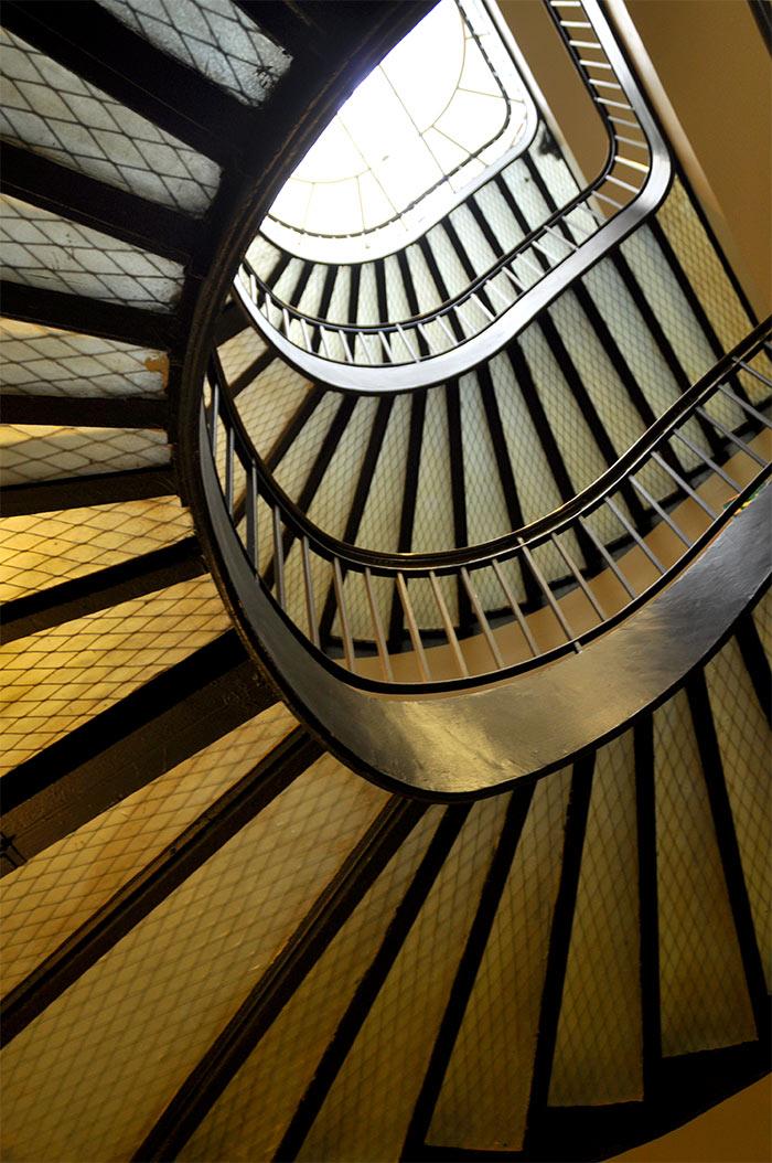 escalier hotel Banke Paris