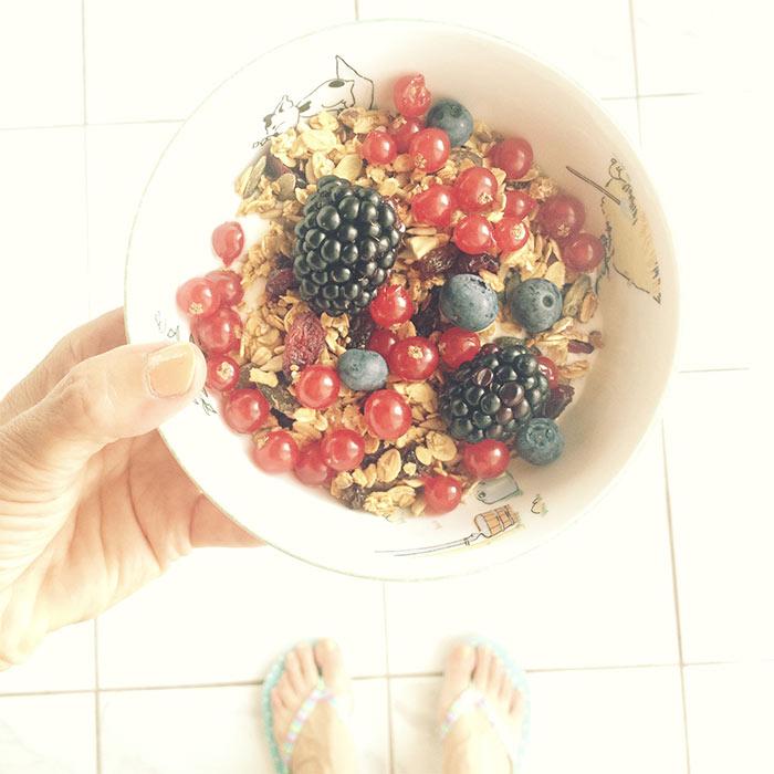 granola fruits d'été mûres