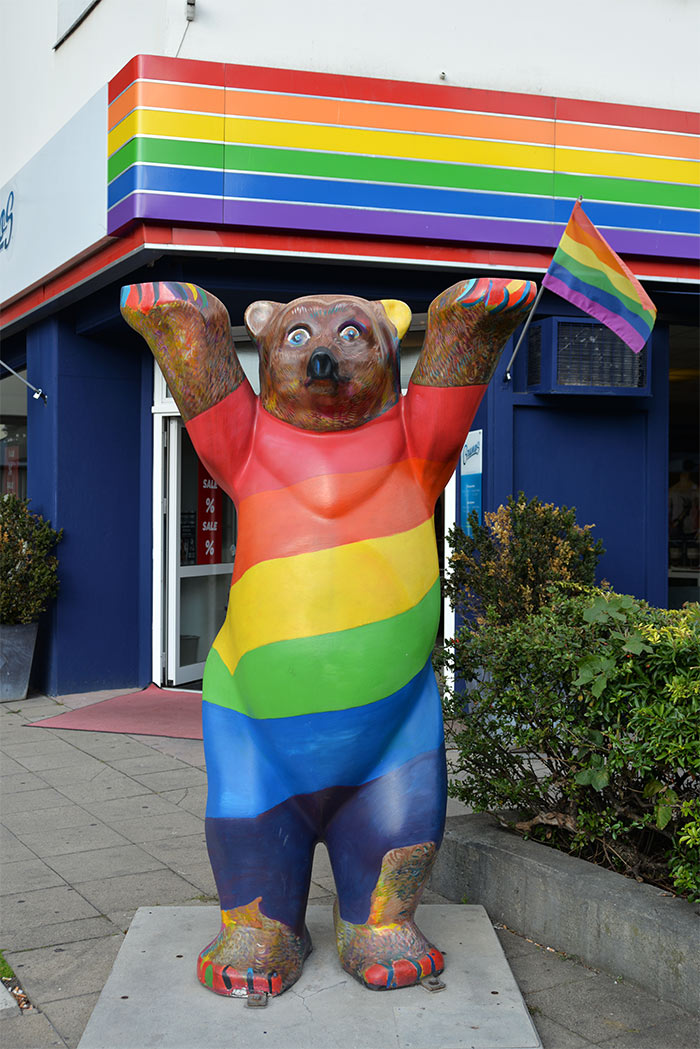 berliner bear gay rainbow flag