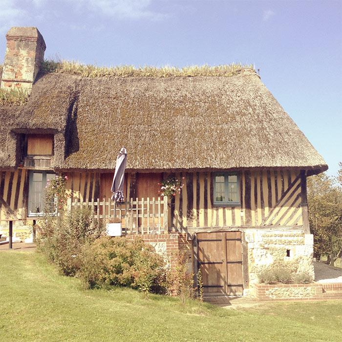maison toit de chaume eure normandie