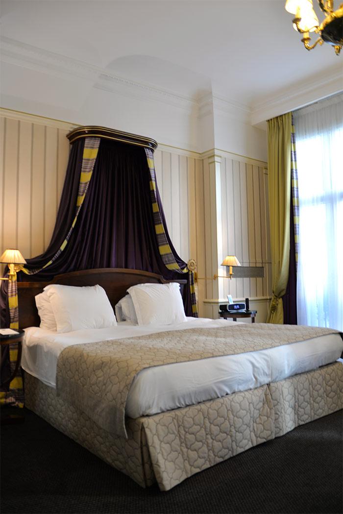 lit junior suite hotel napoleon paris