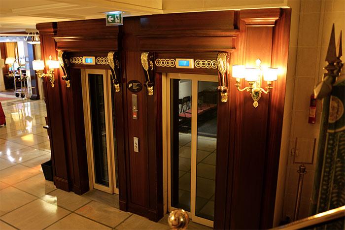 ascenseurs hotel napoleon