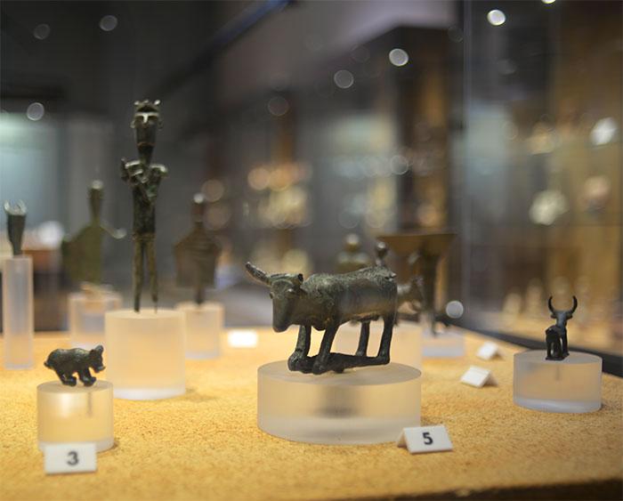 statuettes musée archéologique sardegna