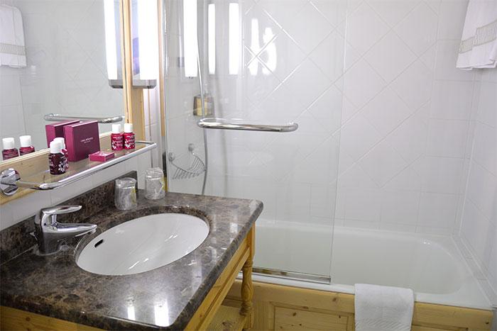 salle de bains M de Megève