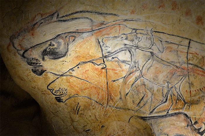 lions caverne pont arc
