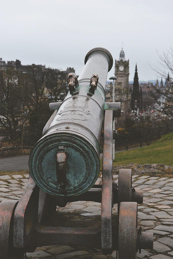 canon calton hill edimbourg
