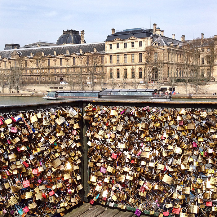 paris bridge love padlocks
