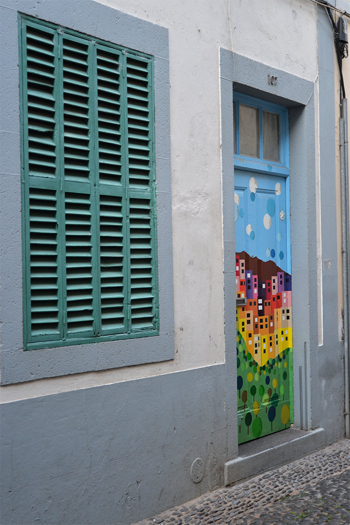 painted doors in Funchal Madeira
