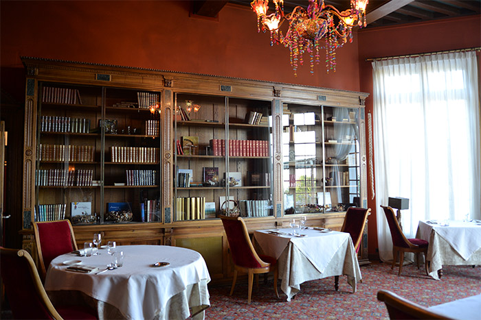 restaurant chateau avenieres