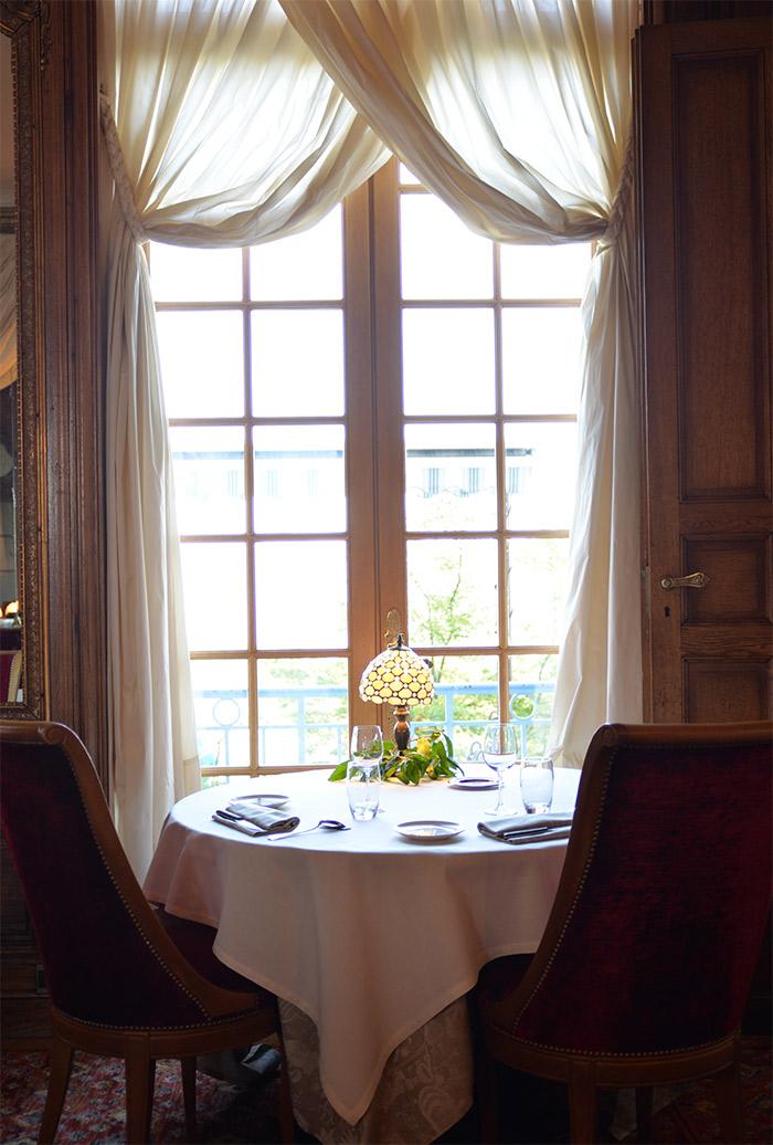 restaurant avenieres chateau