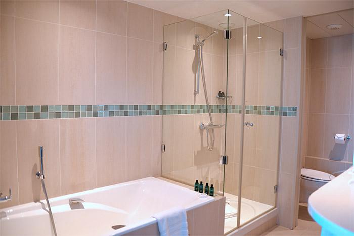 salle de bains sofitel marseille