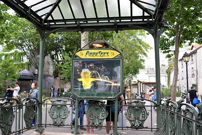 métro abbesses paris
