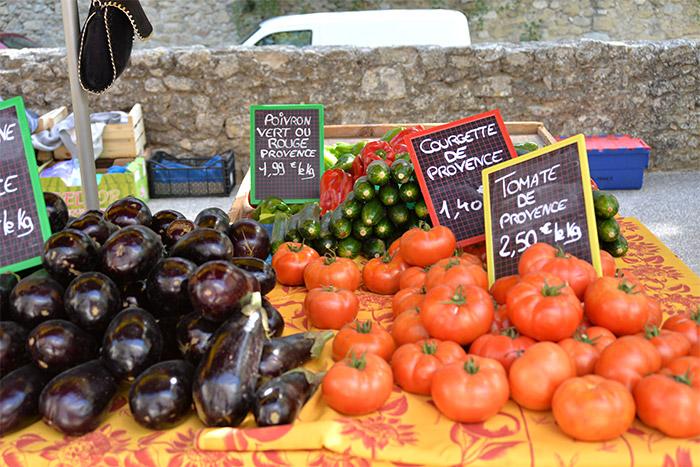 marché de lourmarin vaucluse