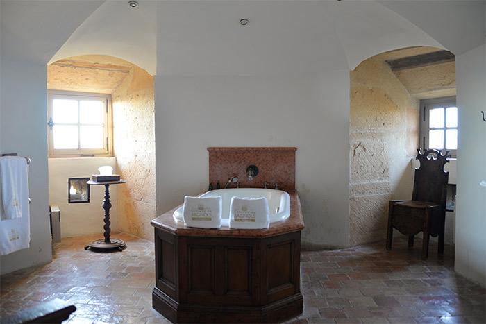 salle de bains chateau bagnols