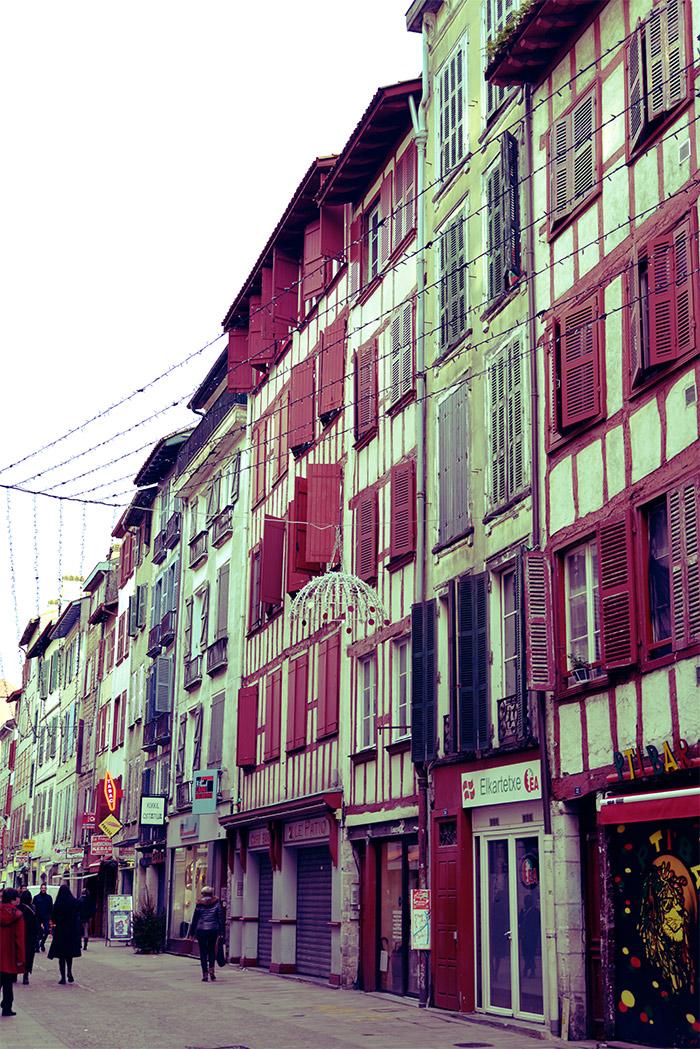 ville de bayonne maisons basques
