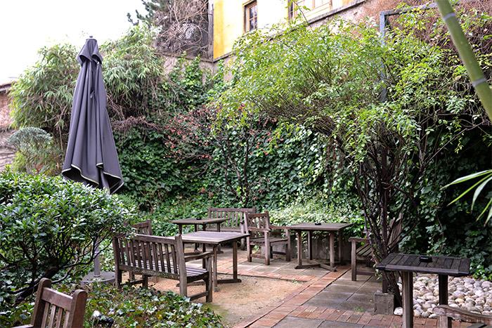 jardin suspendu la cour des loges lyon