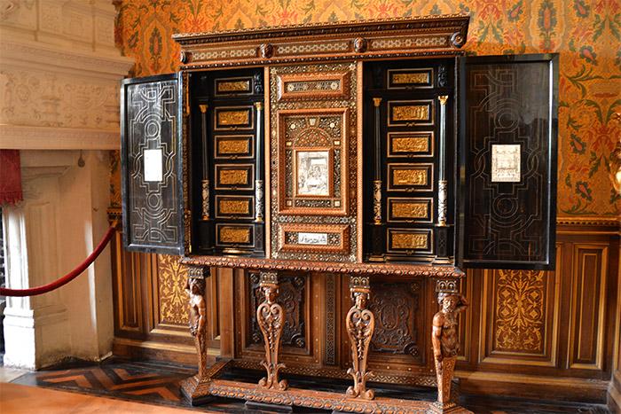 chateau chenonceau cabinet