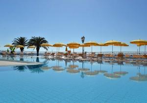 piscine hilton giardini naxos