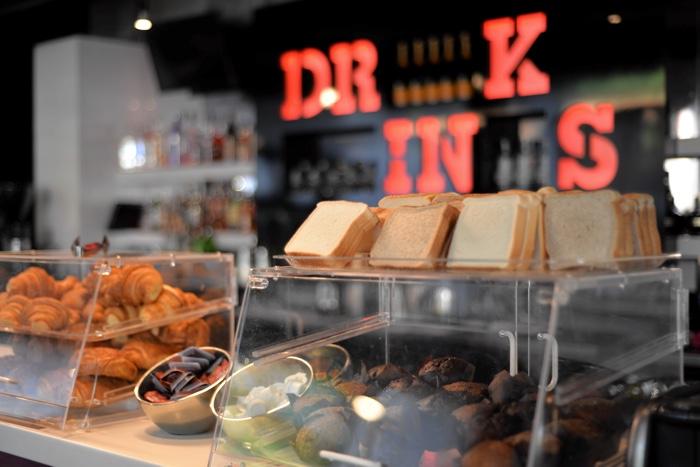 montreal hotel zero 1 breakfast
