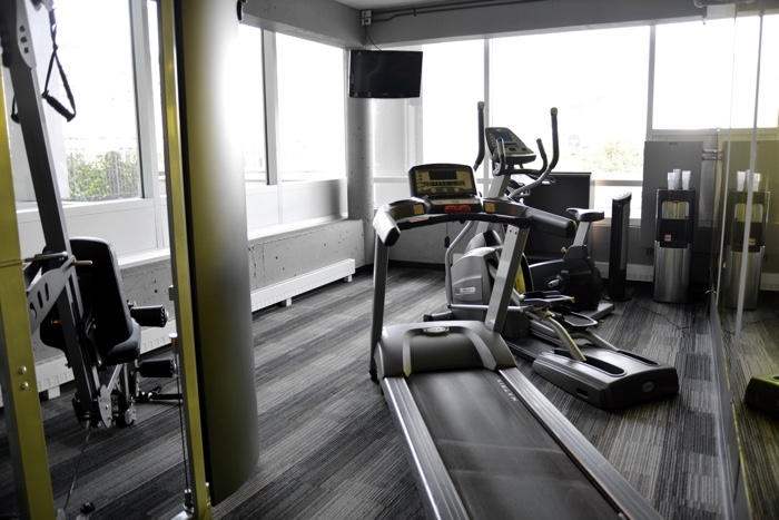work out room hotel zero one