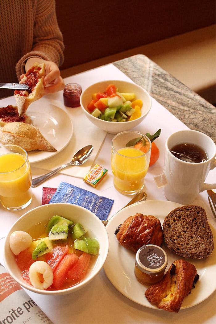 metropole hotel breakfast