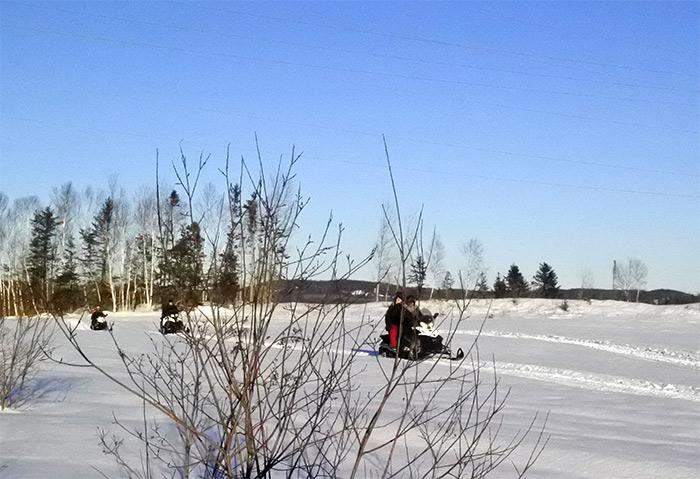 quebec moto neige ferme 5 etoiles