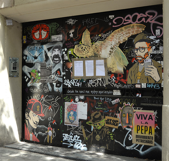 gracia street art barcelone