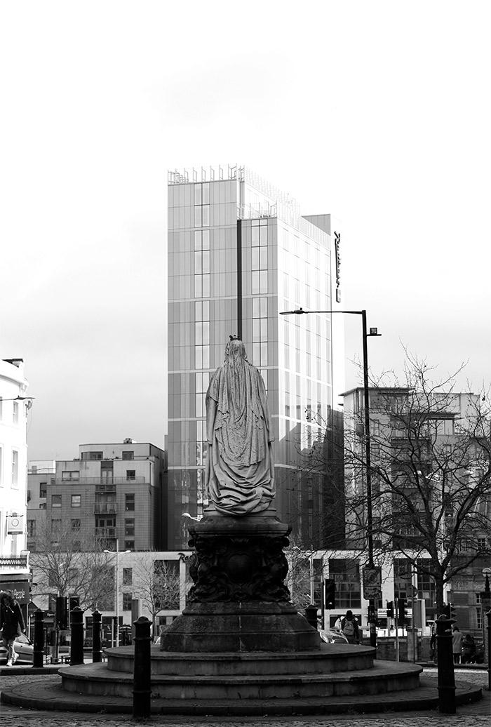 queen victoria statue bristol