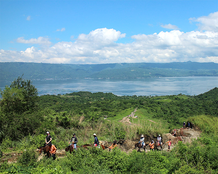 volcan taal philippine