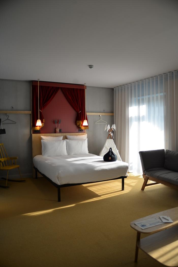 Lyon Mob Hotel chambre