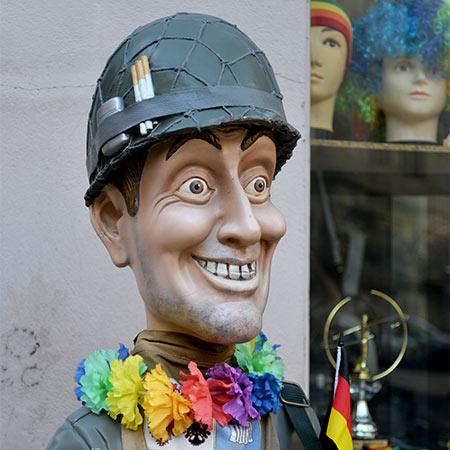 soldier rainbow schoneberg