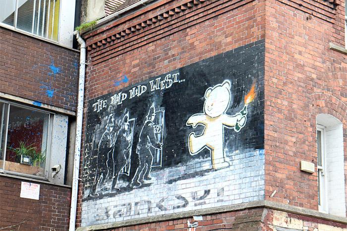 Banksy art Bristol uk