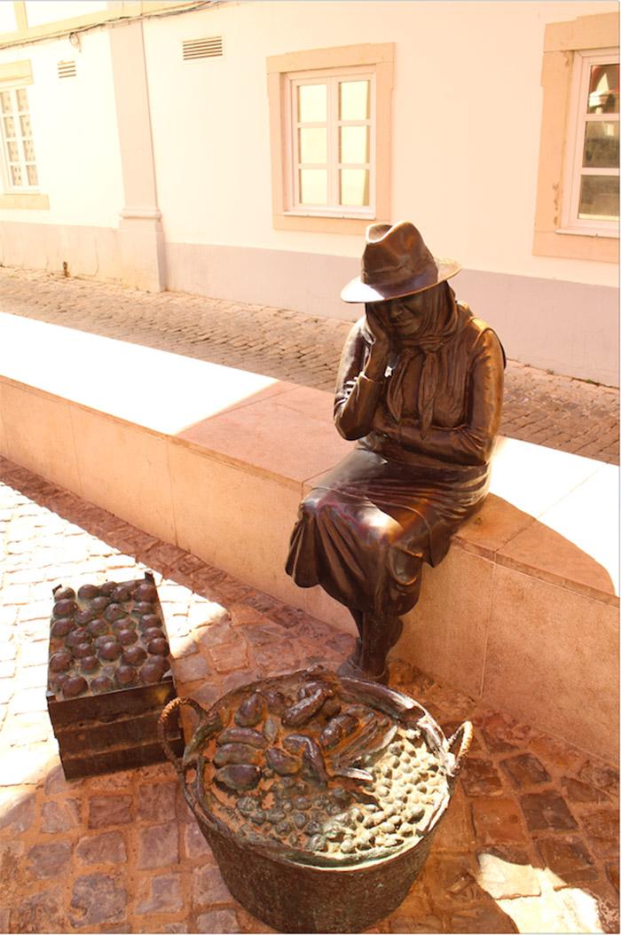 Algarve Loule statue femme poisson