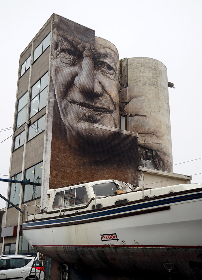 Guido van Helten Crystal ship Ostende