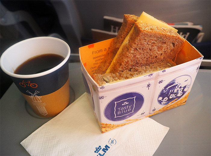 klm airlines sandwich fromage