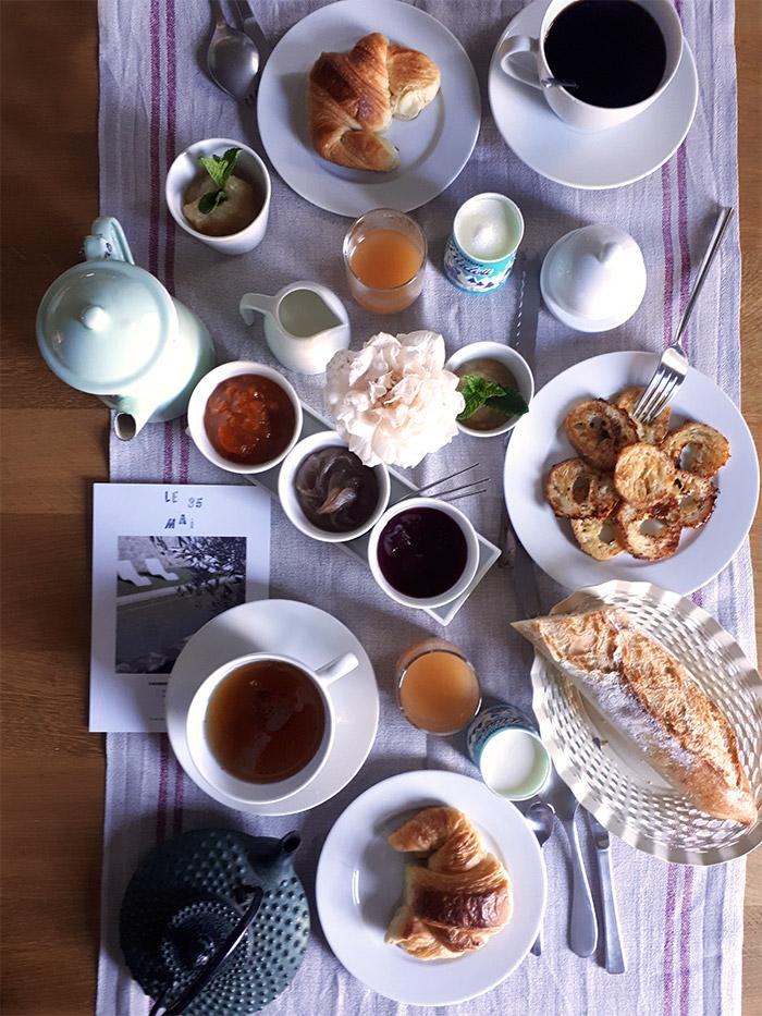 Ardeche petit dejeuner 35 mai