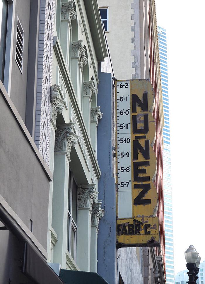 Nunez enseigne Miami downtown