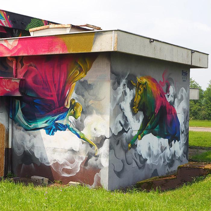 Lurcy Levis street art city