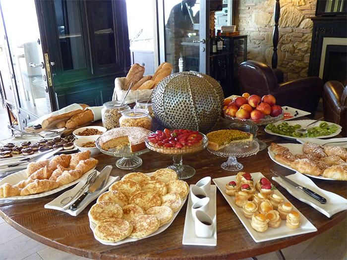Taormina breakfast villa ducale buffet