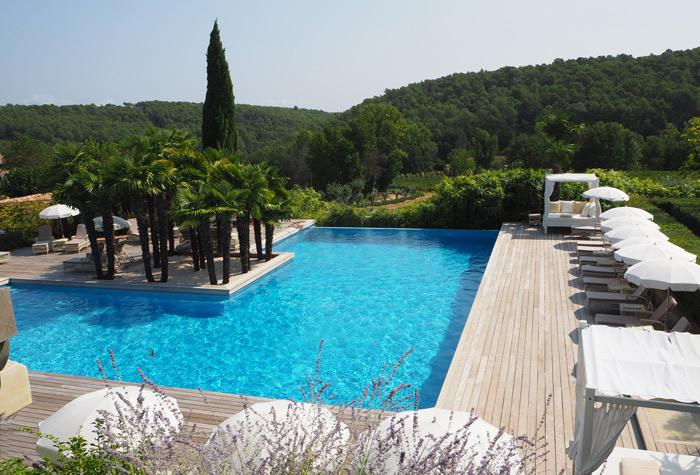 piscine chateau de berne lorgues