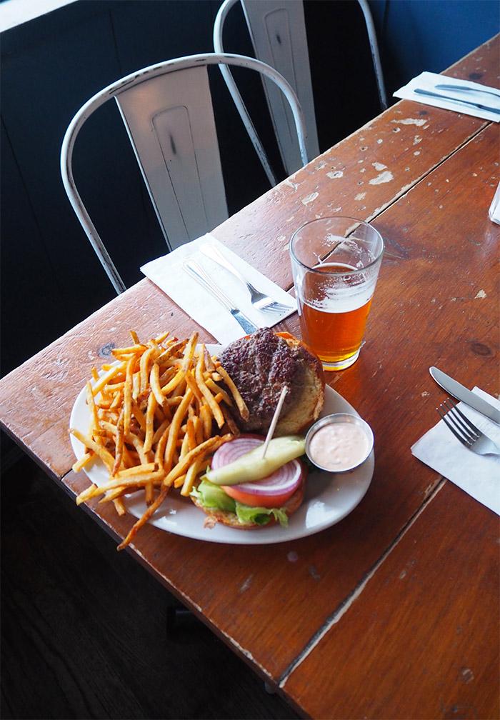 983 restaurant bushwick burger