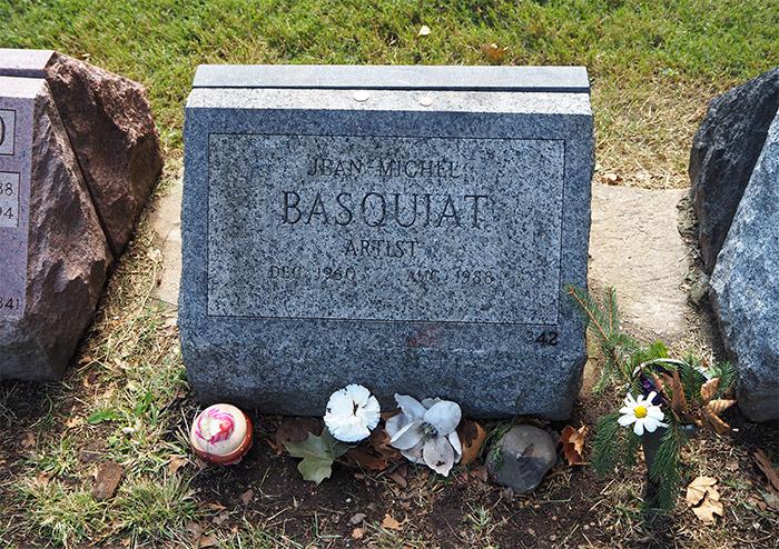 tombe jean michel basquiat brooklyn
