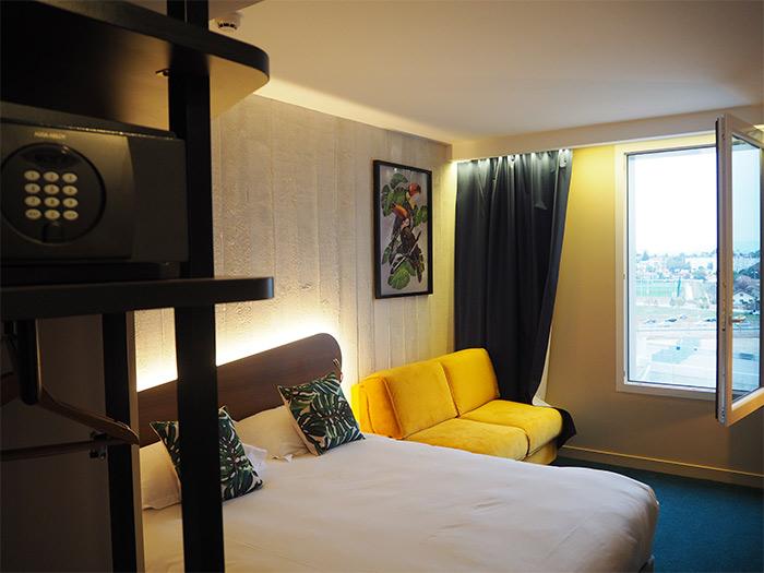 kopster hotel chambre decines