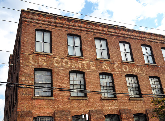 le comte and co red hook brooklyn