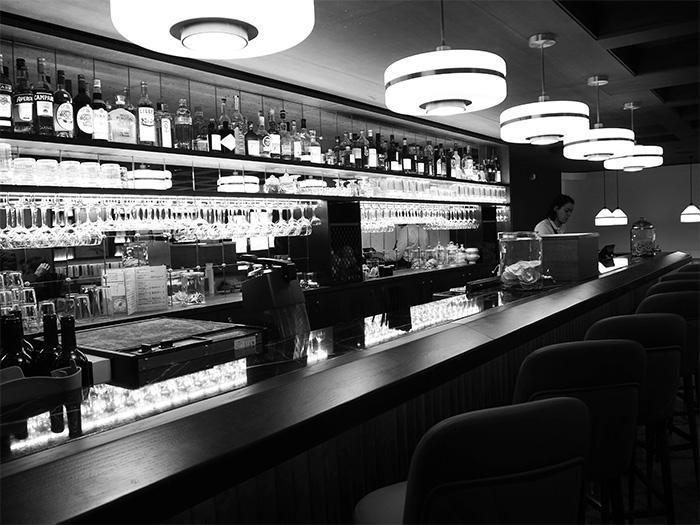 la clusaz st alban hotel bar