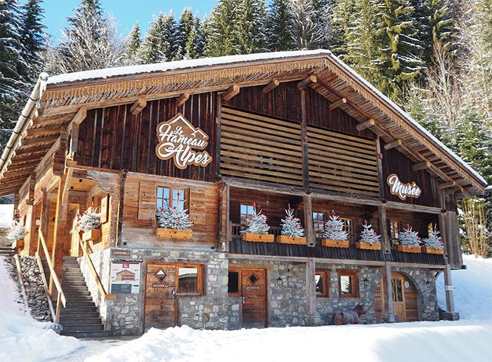 la clusaz hameau alpes