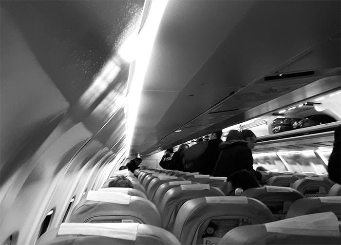 BRAATHENS AVRO CRJ100