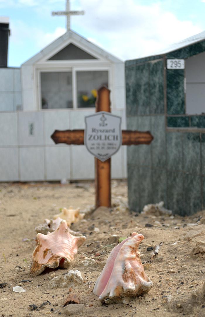 guadeloupe cimetiere lambi croix